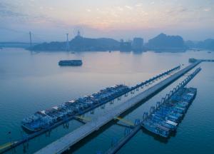 Khám phá vẻ đẹp cảng tàu khách quốc tế ở vịnh Hạ Long